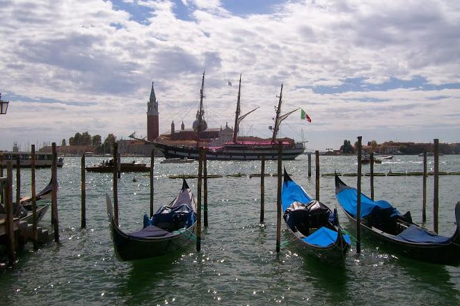 Editor copywriter travel Venice